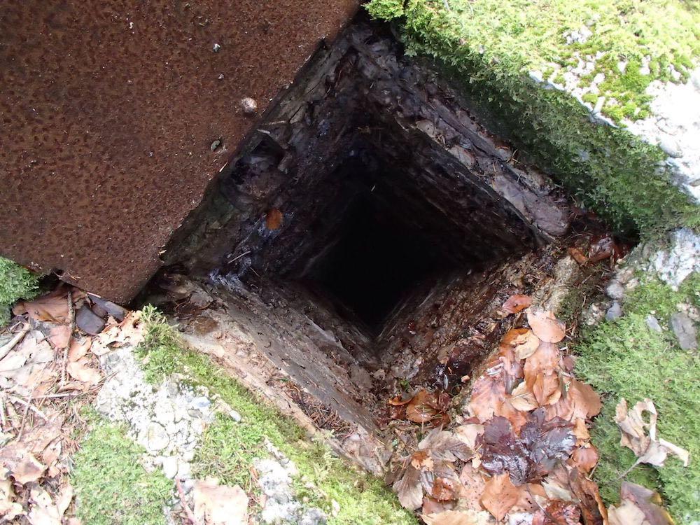 Trappe ouverte pour le périscope au bunker du SP1