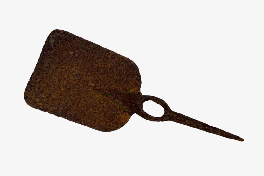 Pelle-pioche utilisées dans les tranchées françaises