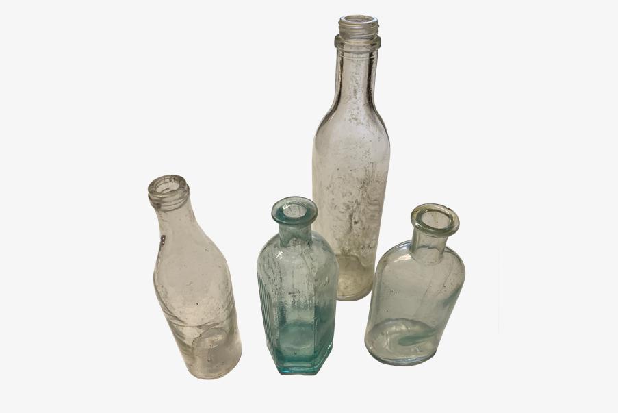 Bouteilles en verre de la première guerre mondiale