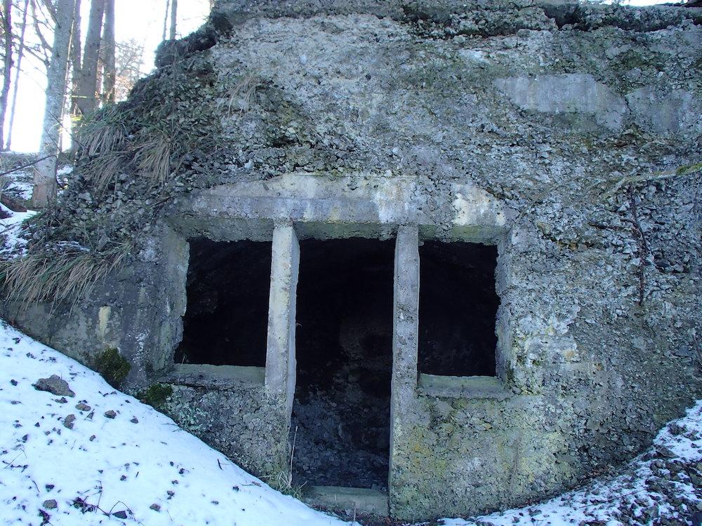Entrée du bunker allemand du Stützpunkt 00