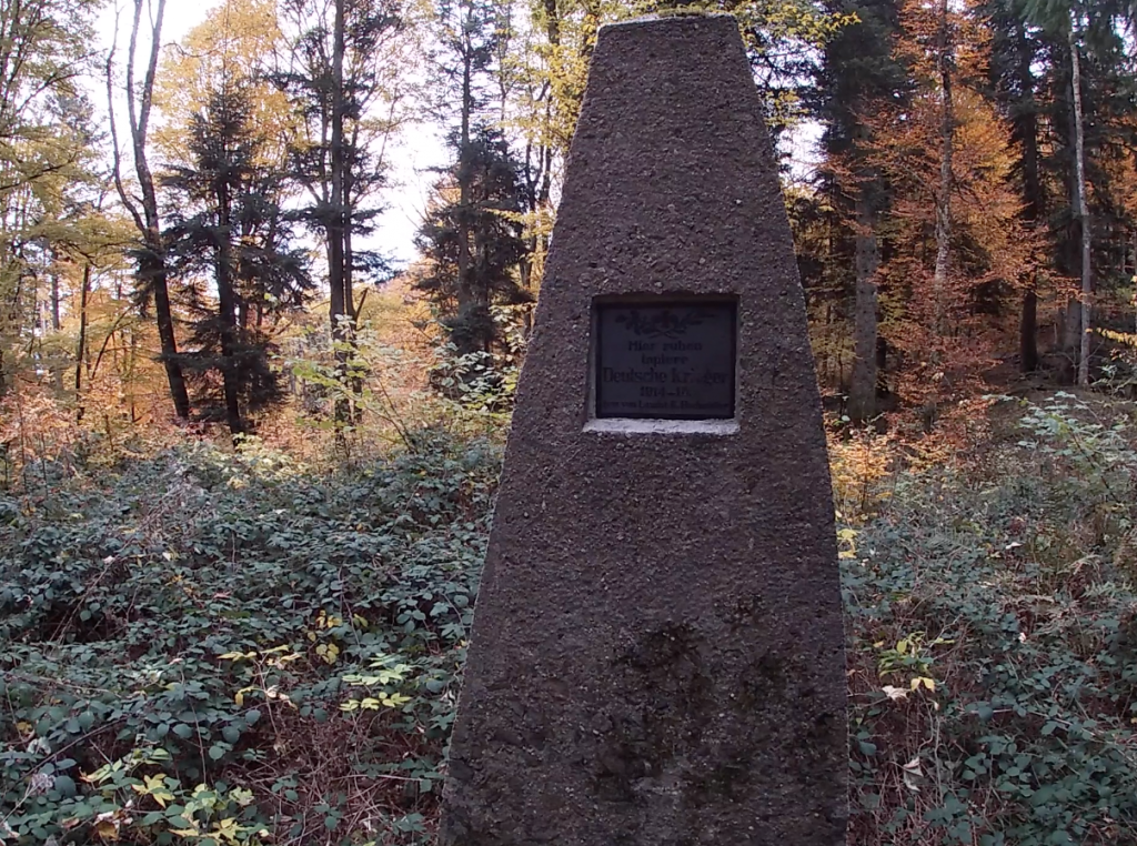 Mémorial au cimetière du Holzwasen