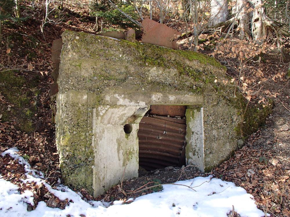 Entrée d'un bunker autour du Stützpunkt 6