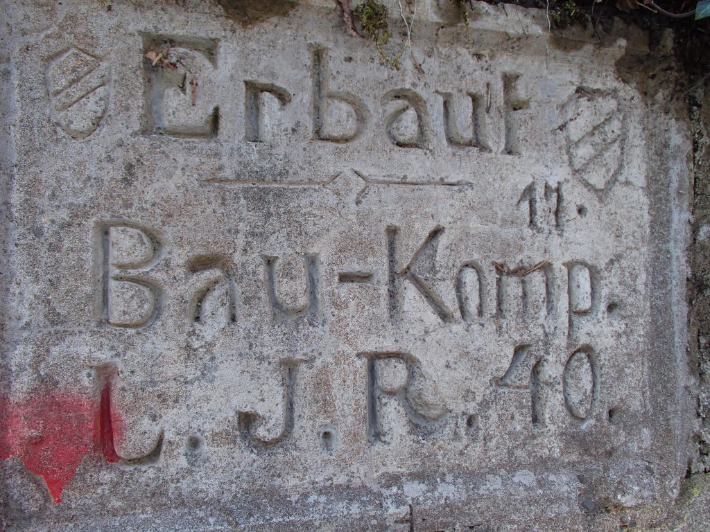 La plaque frontale du bunker SP8